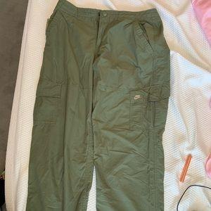 NWOT🚹Nike Army Green Nylon Cargo Pants, LG🔥🔥